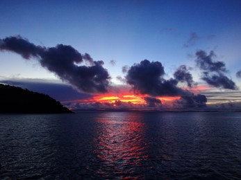 A great sunset hidden behind the clouds in the beautiful Whitsundays